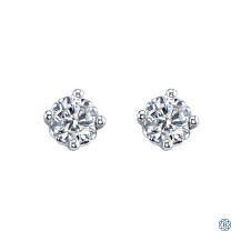 14kt Gold Diamond Stud Earrings